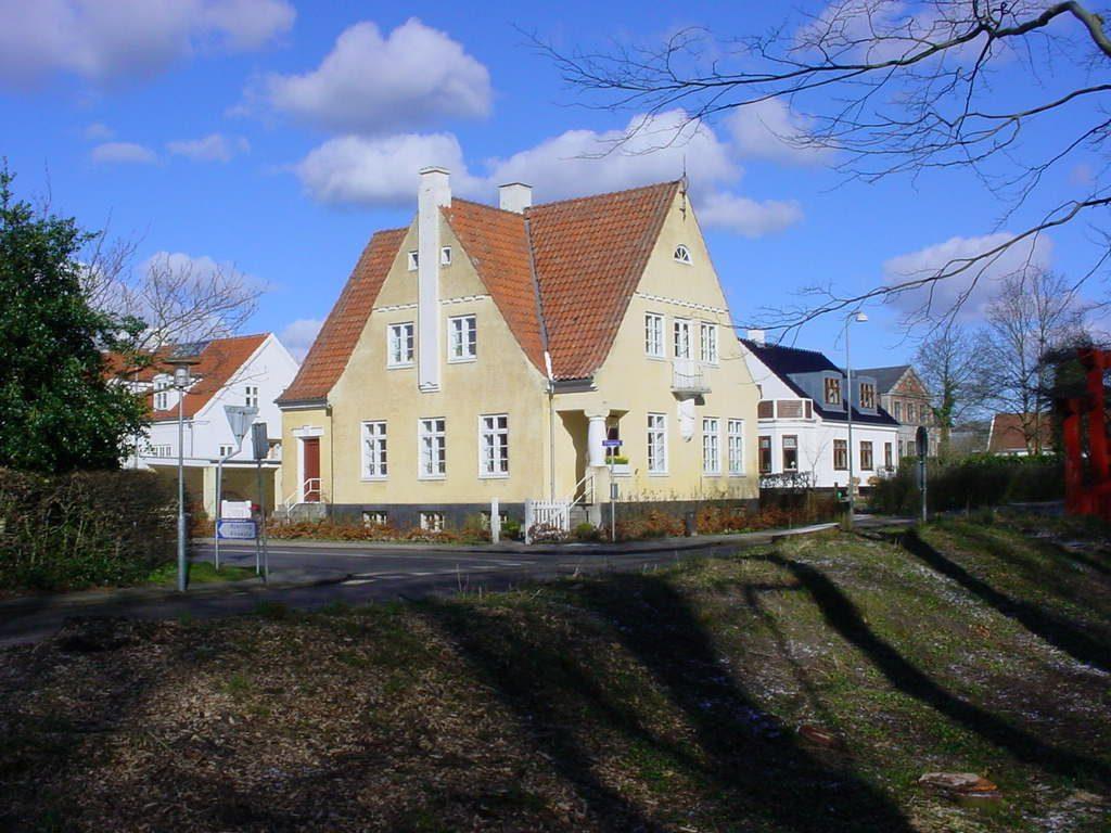 """""""Et hus og dets beboere"""" - Christiansgade 24, Hjørring"""